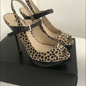 🌷HP🌷INC 9 leaopard print platform peep toe heels